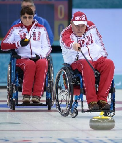 Paralympic sports: Curling on carriages of
