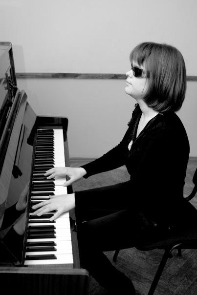 The fairy tale on how the blind singer has won Alexander Gradskogos heart